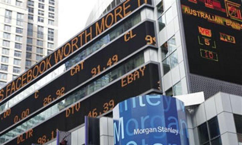 Morgan Stanley logró la mayor parte de la ganancia el lunes, cuando compró acciones por debajo del precio de salida de 38 dólares. (Foto: AP)