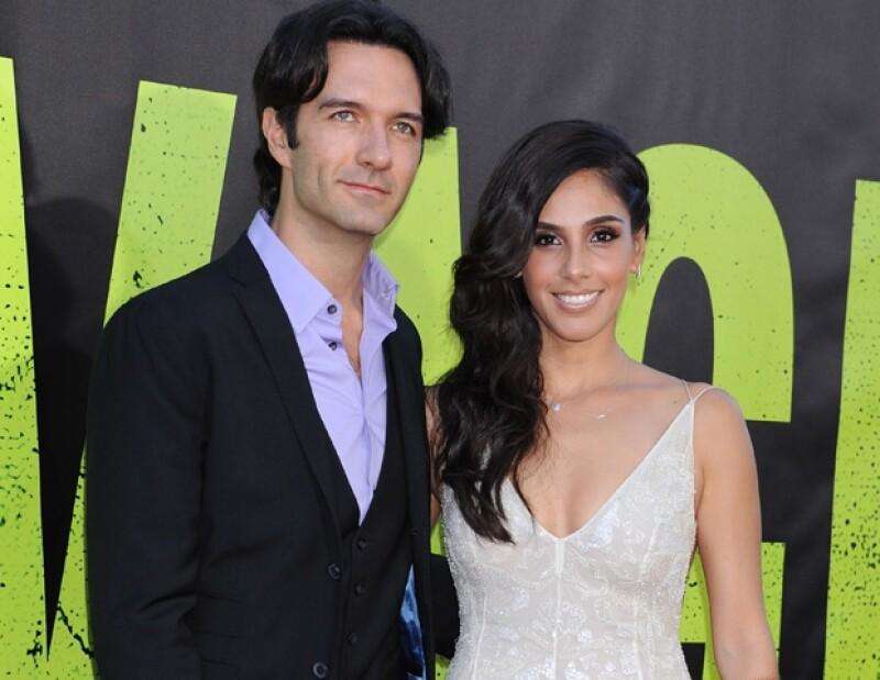 """El nominado al Oscar y la actriz se encontraron durante la alfombra roja de la premiere de la cinta """"Savages"""" en Los Ángeles, California, sin embargo éste no fue motivo para saludarse."""