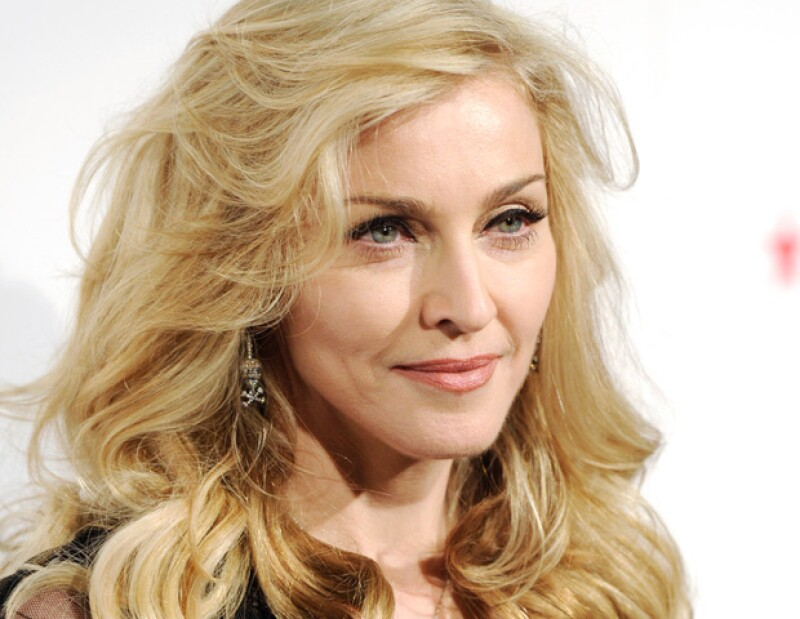 `La Reina del Pop´, quien será inmortalizada en la exposición `People, figuras por siempre´ en España, dijo que invertiría más en arte y menos en armas de ser mandatario.