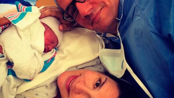 La actriz mexicana confirmó el buen estado de salud de su hijo Daniel Nicolás, quien nació prematuro este lunes en un hospital de Los Ángeles.