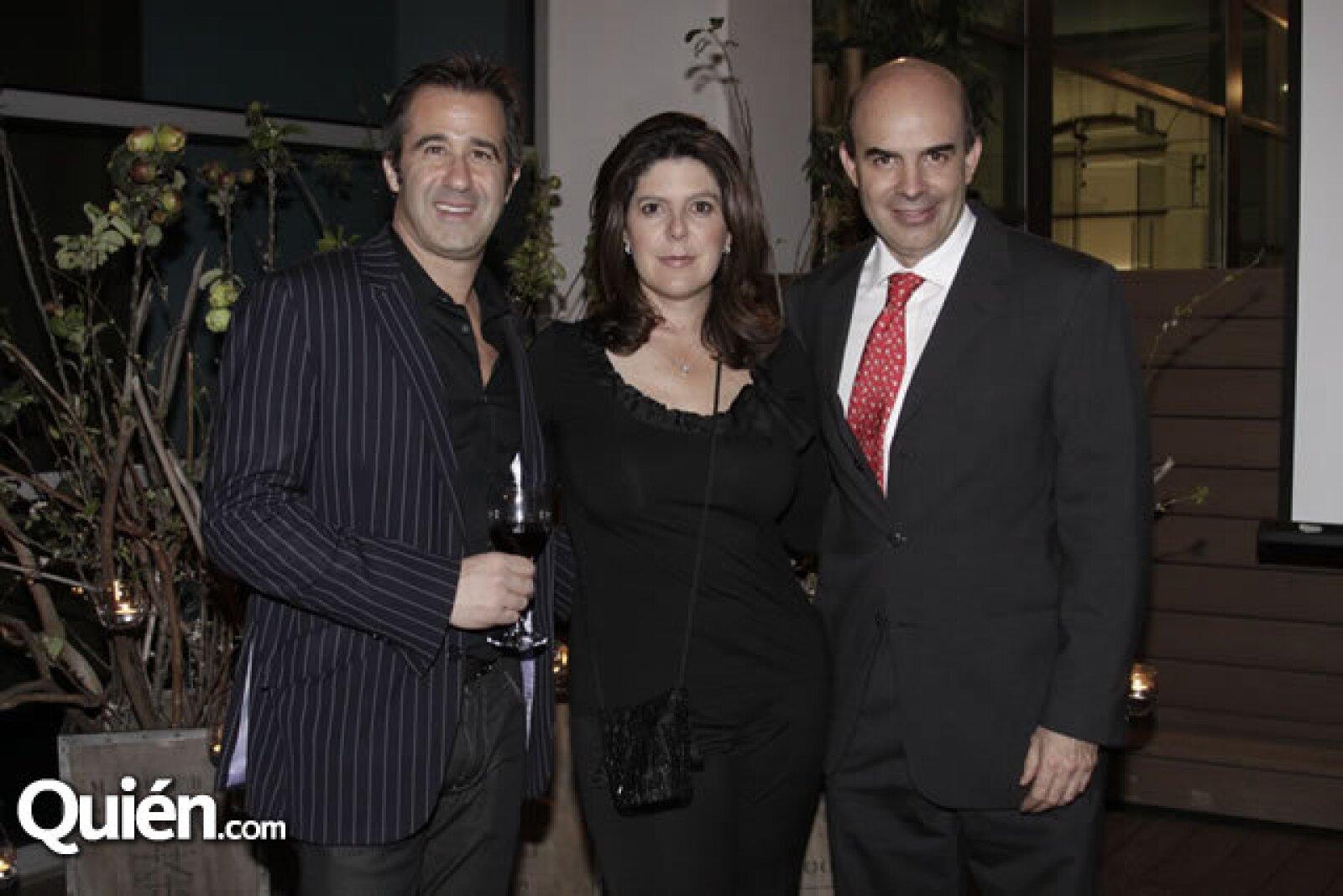 Andy Levine, Paola Prieto e Ignacio Zorrilla