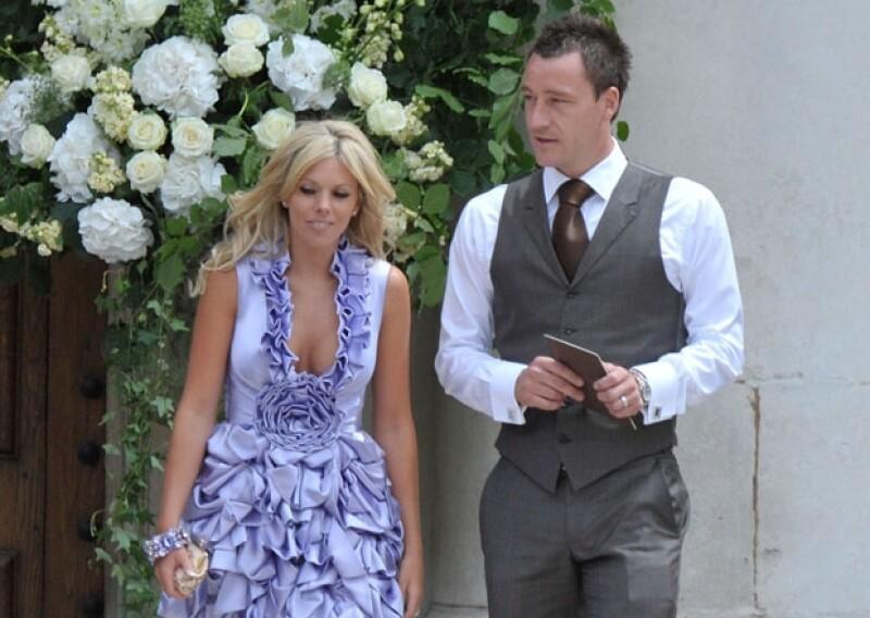 John Terry se vio envuelto en el escándalo tras haberle sido infiel a su esposa con la novia de su compañero de equipo.