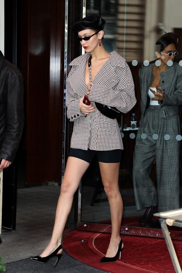 Celebrity Sightings : Paris Fashion Week Womenswear Spring/Summer 2018 : Day Two