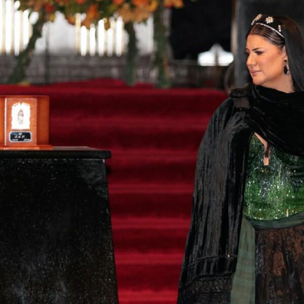 La cantante mexicana, Alejandra Ávalos, se sumó al homenaje que se rinde a Juan Gabriel en Bellas Artes.