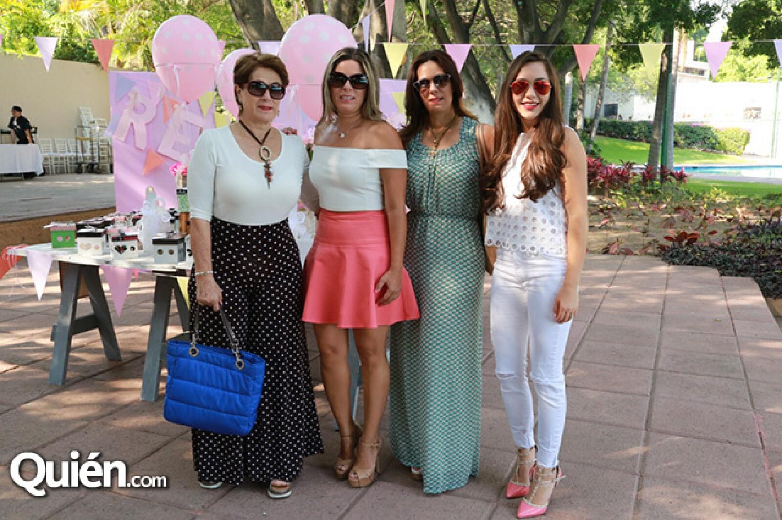 Lourdes Bracamontes, Lizette Bracamontes, Ceci Bracamontes y Susana Robles