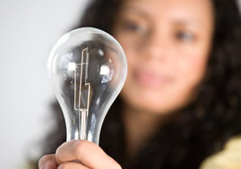 Los focos o bombillas de luz desaparecerán, poco a poco.  (Foto: Jupiter Images)