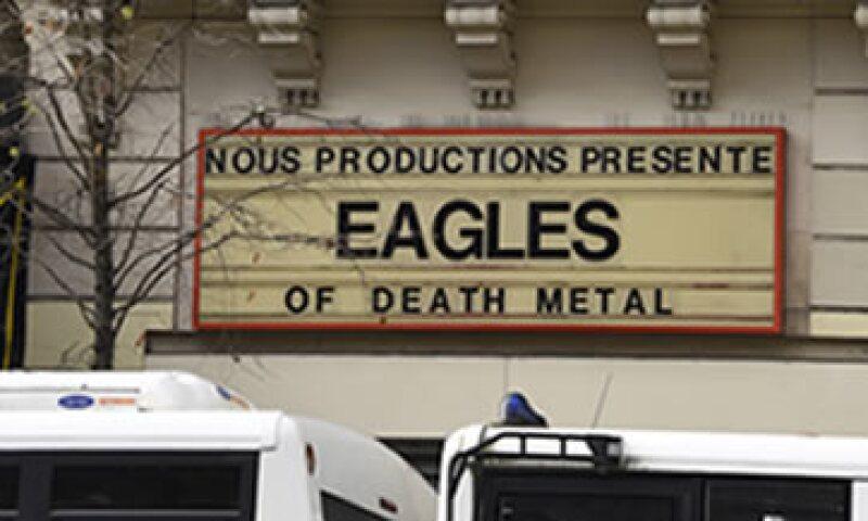 Esta es la primera información sobre la banda tras el atentado en el teatro. (Foto: AFP )