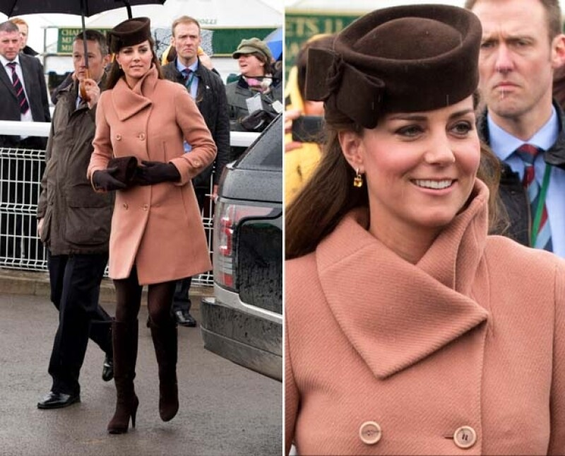 Kate, como siempre se veía encantadora, escondiendo debajo del abrigo, su pancita de embarazada.
