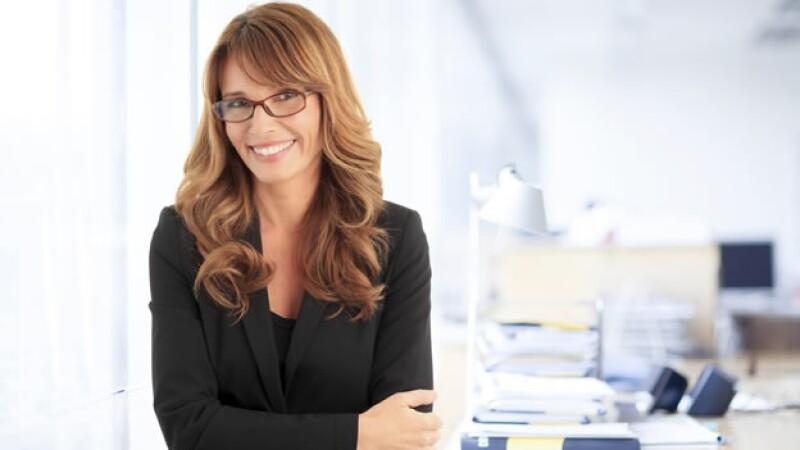 Las mujeres ricas son más jóvenes que sus contrapartes hombres, según un estudio de Spectrem Group