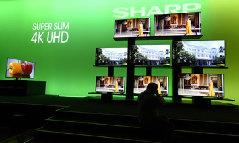 Sharp dijo que sus pantallas 8K, que tienen ocho veces la alta resolución disponible en los televisores FHD, llegarán a México este año.   (Foto: AFP)