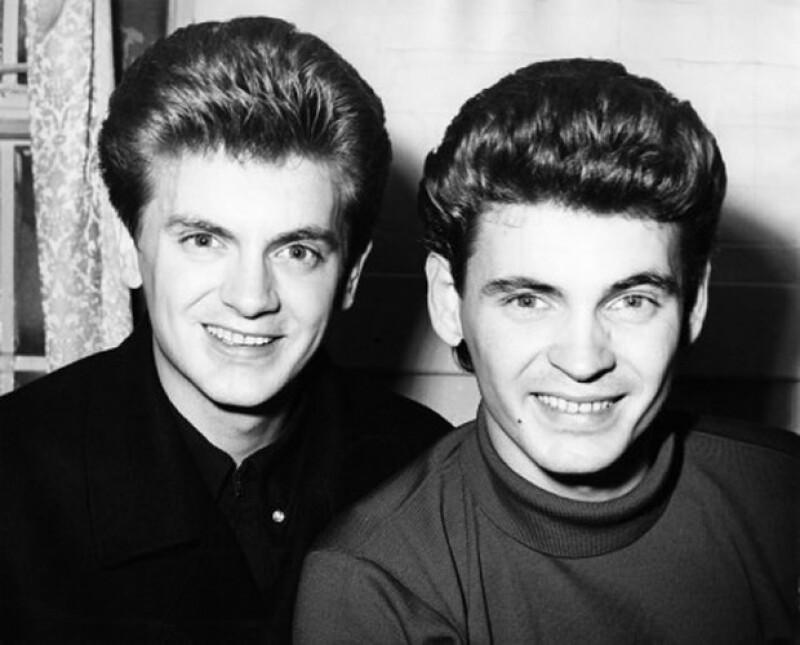 Phil Everly con su hermano Dan cuando formaban el dueto los Everly Brothers.