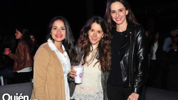 Martha Buendía,Claudia Watanabe y Lorenza Luengo