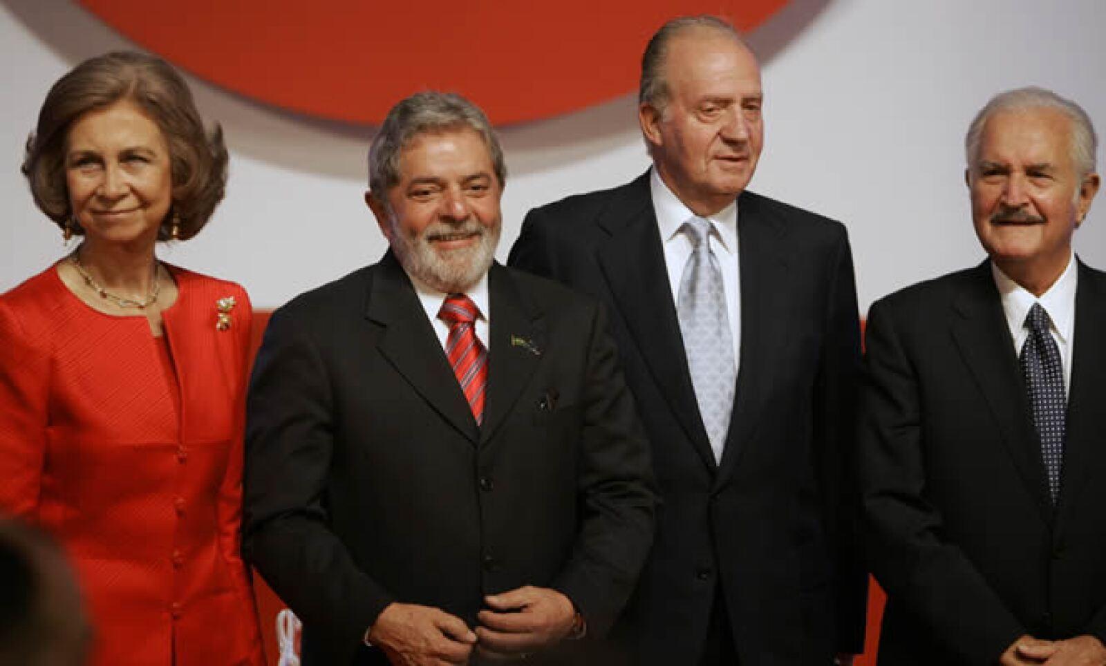 Carlos Fuentes se reunió con los reyes de España Sofía y Juan Carlos, además de el ex presidente de Brasil, Lula da Silva, luego de recibir el premio Don Quijote de la Mancha.