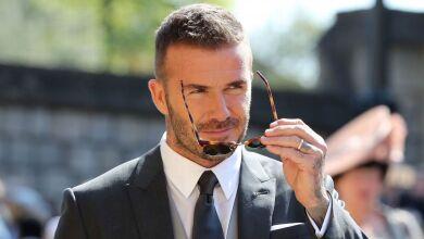 Las gafas de David Beckham son de Yves Saint Laurent