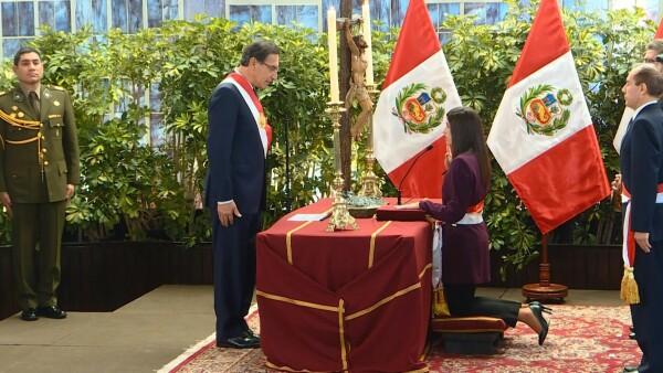 Martín Vizcarra designa nuevos ministros para reorganizar su gabinete