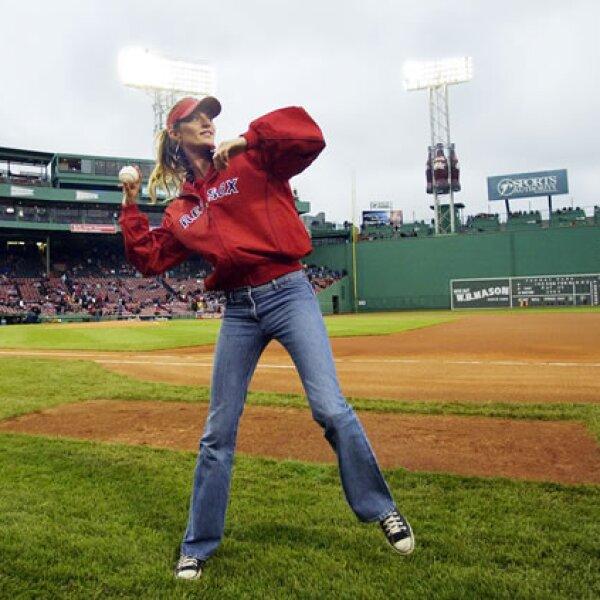 Otra gran aficionada de los Medias Rojas es la modelo Gisele Bündchen, quien vive en la ciudad al norte de Estados Unidos.
