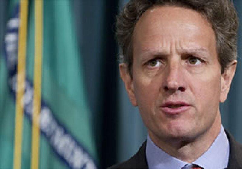 Geithner dijo que las firmas financieras buscan influir sobre reglas que aún no se han escrito. (Foto: Cortesía CNNMoney.com)