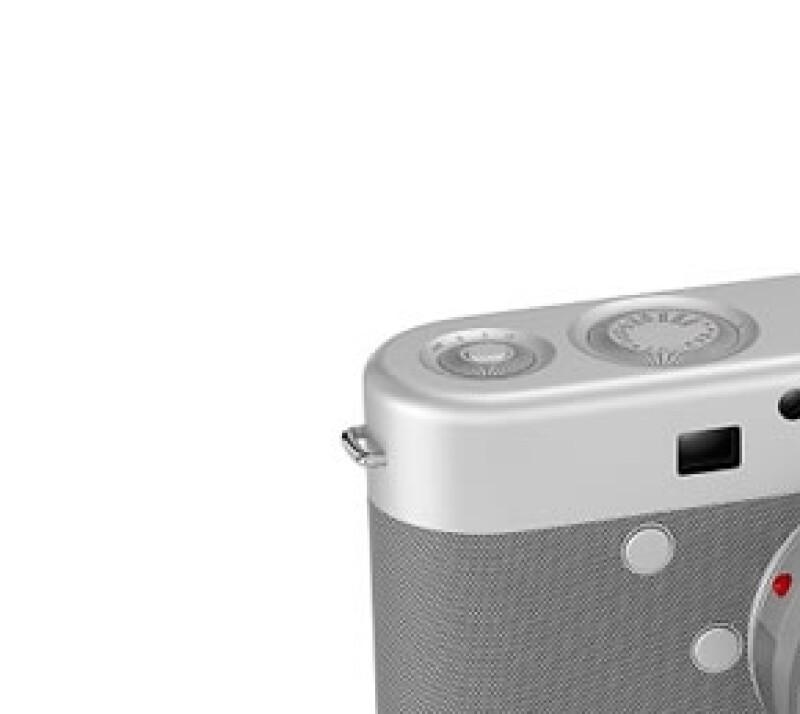 El jefe de diseño de Apple trabajó con Marc Newson y el líder de U2 para una subasta (RED) en Sotheby's; el trío curó una serie de objetos para este evento, entre ellos una cámara y unos audífonos.