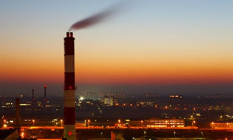 La desaceleración mundial en los sectores automotriz y manufactura arrastrará a la industria nacional. (Foto: Photos to Go)