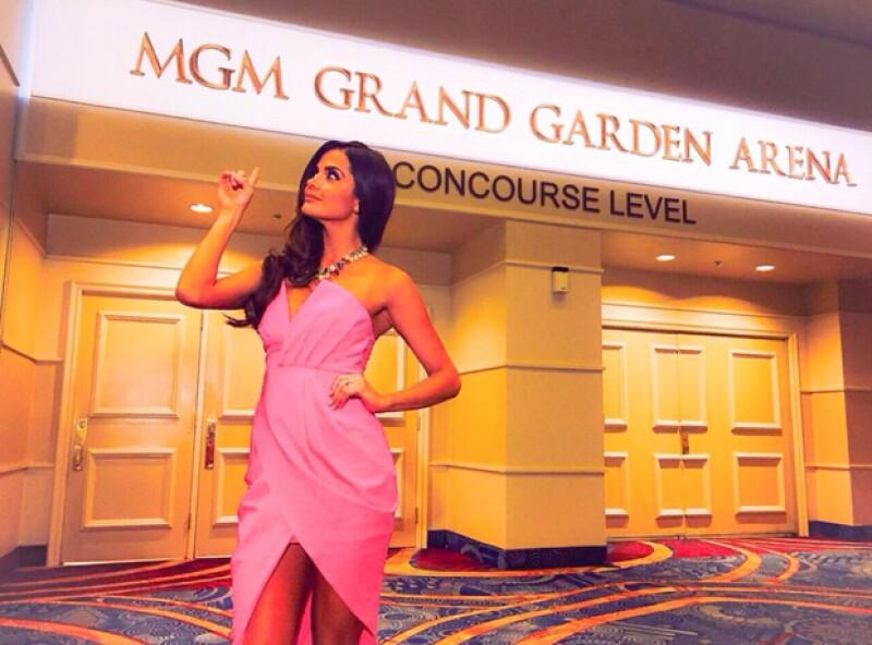 La guapa presentadora de televisión ya llegó a la Ciudad del Pecado para dar todos los detalles del esperado encuentro entre Floyd Mayweather y Manny Pacquiao, este sábado en MGM Grand.