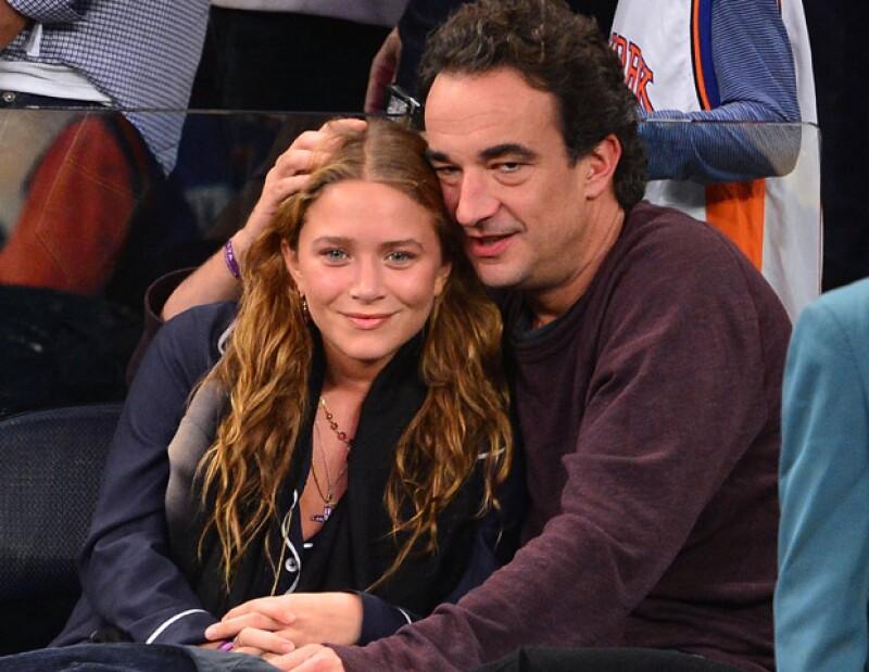 Se dice que la actriz y diseñadora argumentó a su novio, Olivier Sarkozy, que aún no se siente preparadapara formar un hogar.
