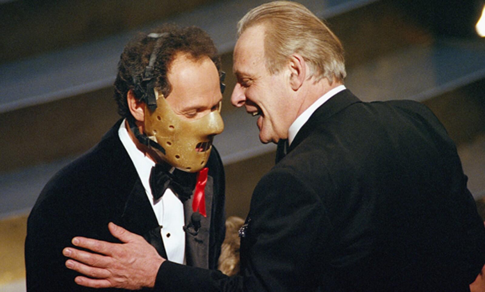 En 1992 el actor Billy Cristal, quien fungió como maestro de ceremonias, usó la emblemática máscara de Hannibal Lecter. Ese año Anthony Hopkins fue nominado por su papel en El Silencio de los Inocentes.
