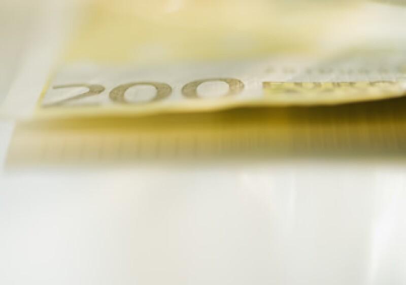Los Gobiernos europeos planean ayudar a los bancos a prevenir problemas debido a la crisis de deuda. (Foto: Photos to go)