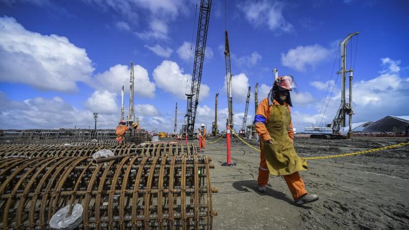 Continúan las obras en la refinería Dos Bocas en Tabasco.