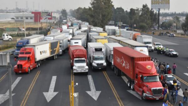 camiones_bloqueo_carretera