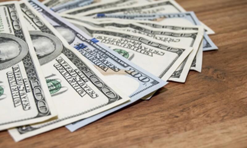 El dólar se compra en 16 pesos. (Foto: Reuters)