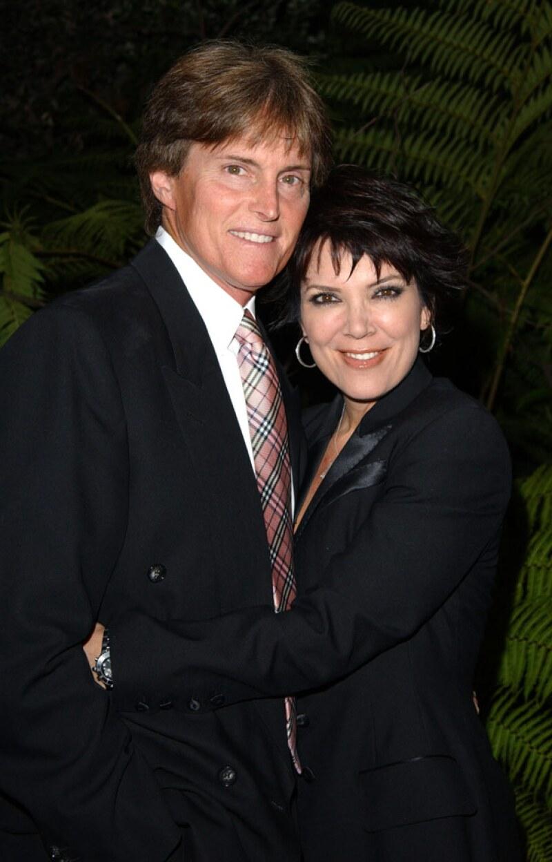 La estrella televisiva reveló en una entrevista que, gracias las hormonas, llegó a ser talla 36B, pero que se las quitó para casarse con su ex esposa.