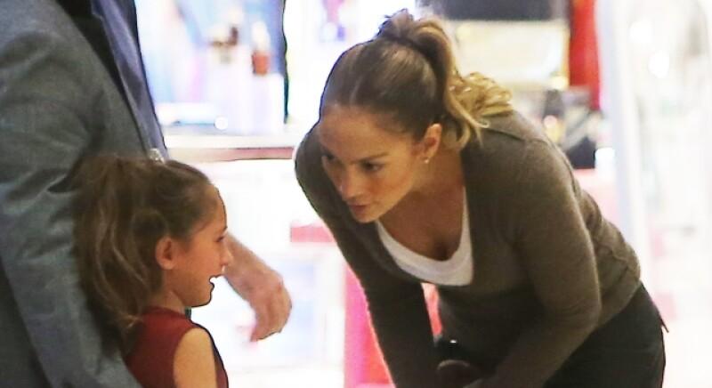 Jennifer Lopez es una mamá paciente y tolerante con sus hijos.