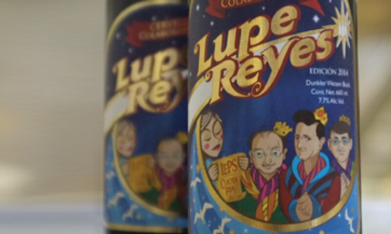 La cerveza Lupe Reyes muestra en su etiqueta la petición que la Acermex hace al poder ejecutivo de reducir el IEPS en 2015..(Foto: Twitter Cerveza Minerva )