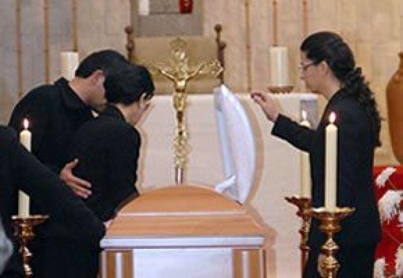 Se llevó a cabo en el Convento de la Visitación de María y asistieron amigos y familiares.