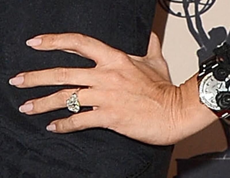 Este es el anillo de compromiso de Sofía. ¿Te gusta?