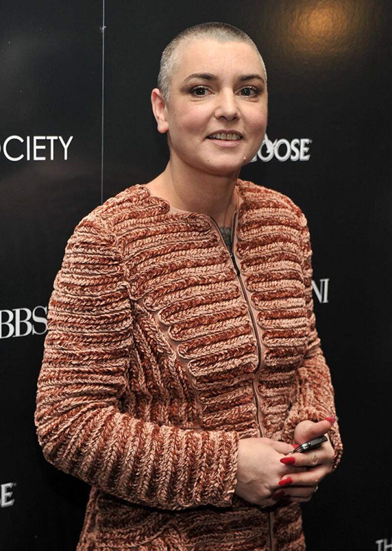 La cantante está siendo atendida por médicos después de que la policía lograra localizarla en Dublín tras publicar un alarmante mensaje en su cuenta de Facebook.
