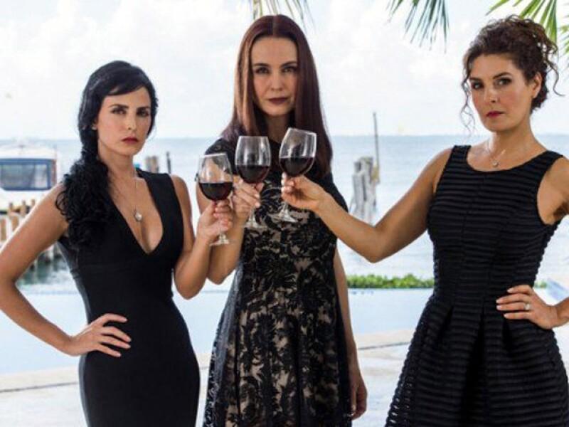 Mayrín protagoniza Mujeres de Negro, telenovela en la que actuará al lado de Alejandra Barros y Ximena Herrera.