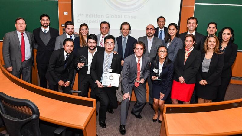 Ganadores: Alen Amini (Tuck School of Business), Curtis Hache