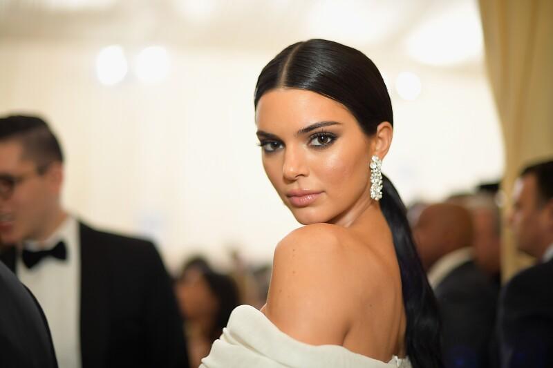 Kendall Jenner comparte atrevida sesión de fotos