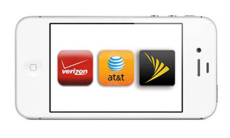 Las firmas de telefonía han rechazado exigir a Apple una disminución del subsidio. (Foto: Cortesía CNNMoney)