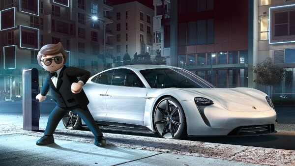 Playmovil Porsche Mission E01.jpg