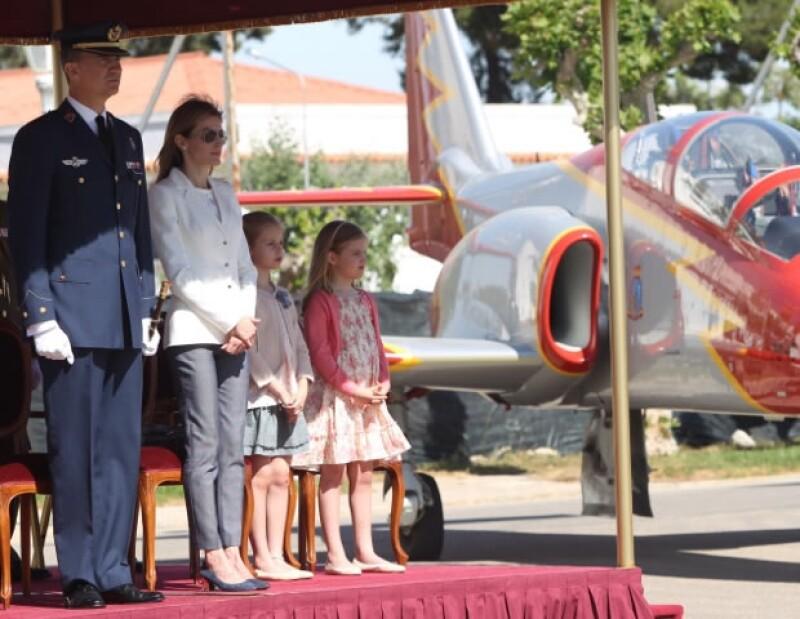 La infanta Leonor, futura Reina de España, participó por primera vez en un compromiso de talla oficial, acompañada de su hermana menor.