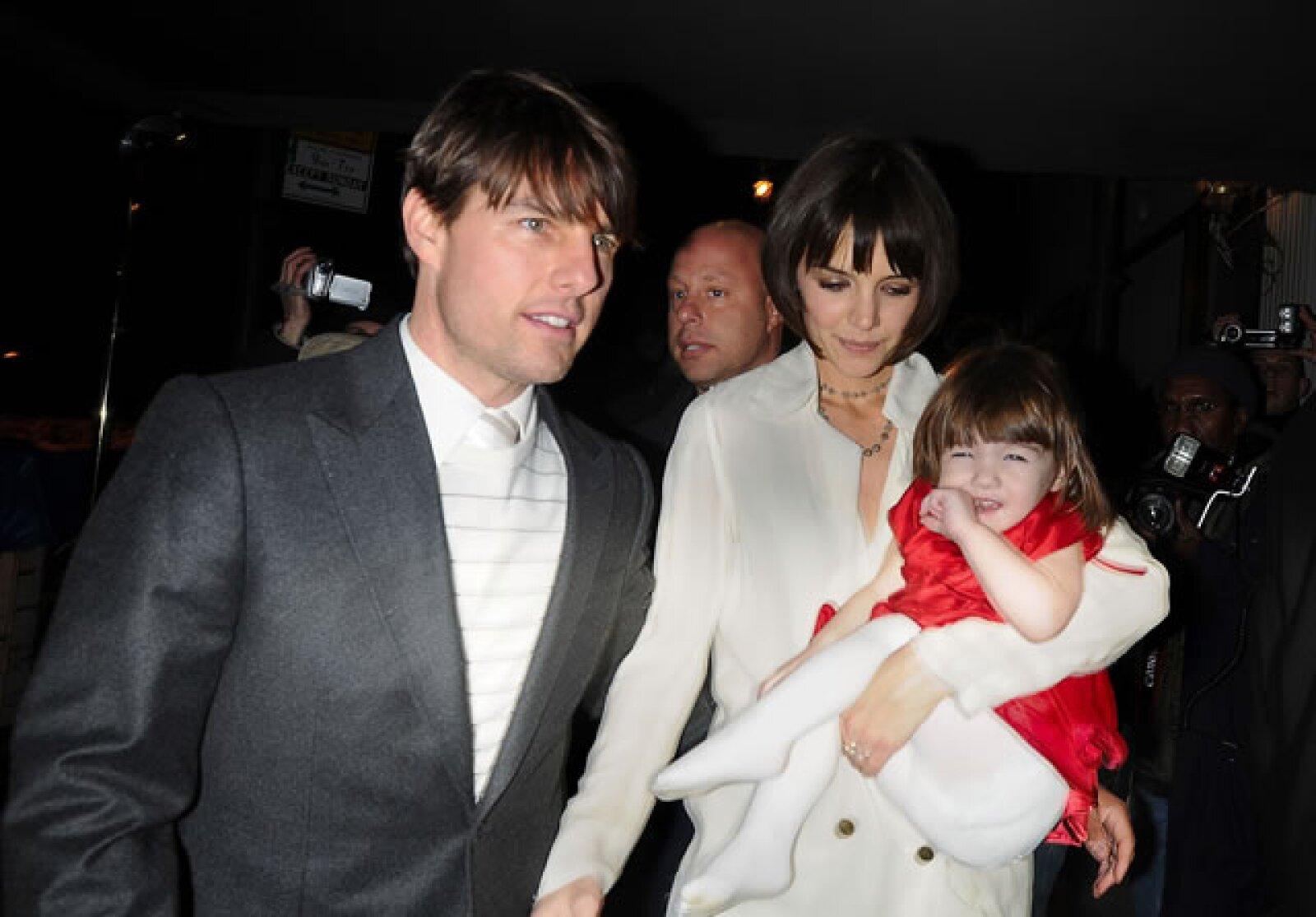 Contrario a muchos famosos, Katie y Tom no escondieron a la pequeña Suri.