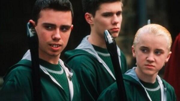 Jamie Lee Yeates, quien diera vida a Marcus Flint, amigo de Draco y uno de los que le hacía la vida imposible a Ron, ahora se ve completamente diferente a ese niño con dientes chuecos y salidos.