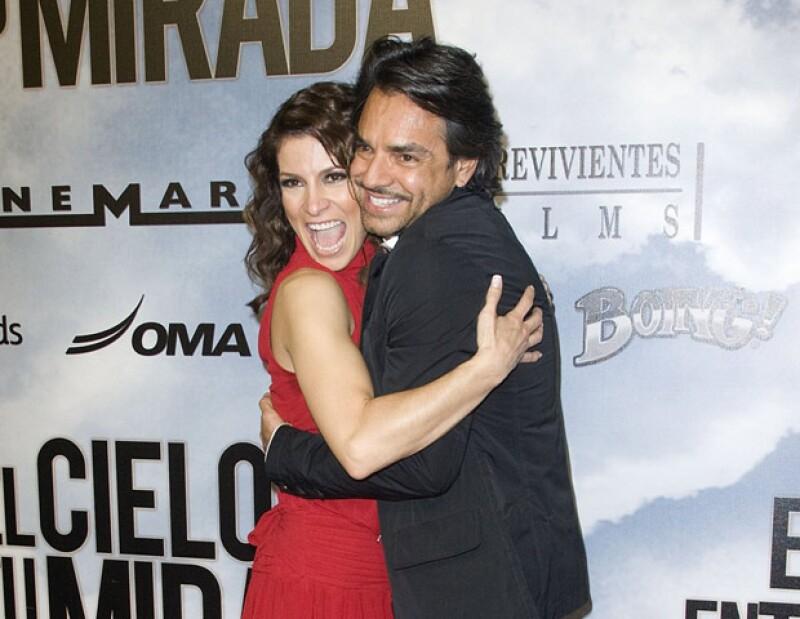 La cantante a través de Twitter manifestó su felicidad de llegar al altar de la mano de Eugenio Derbez.