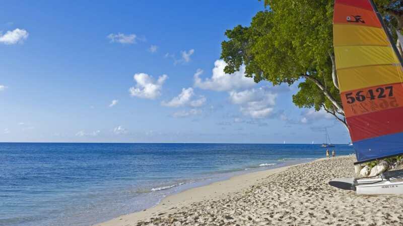 El Caribe es famoso por sus playas perfectas y bebidas junto al agua