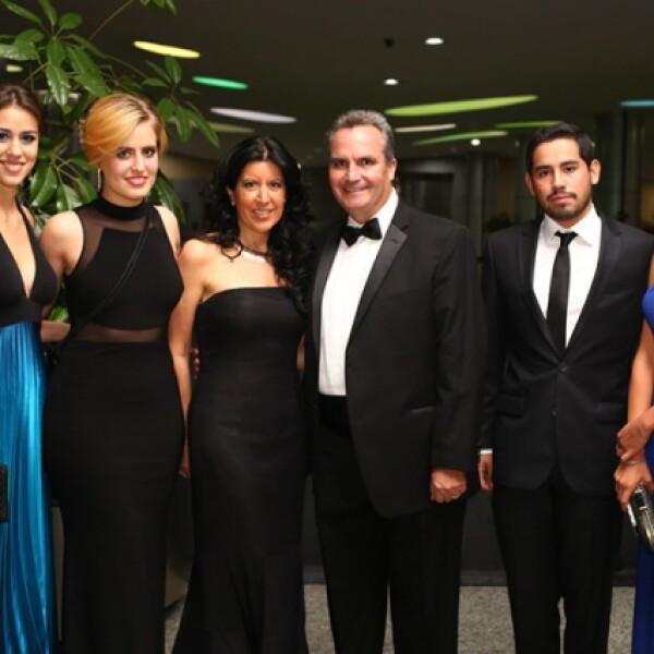 Mariana Arteaga, Paola López, Araceli Pedraza, Federico López Ancona, Alejandro Reta y Sofía Alrich