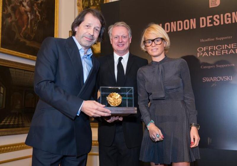 Peter Saville Medalla