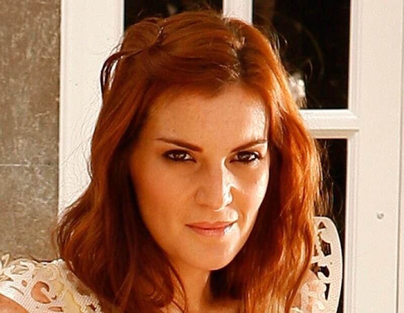Recientemente Angie fue nombrada vocera de la marca de belleza Ponds para la que realizó un shooting en el que vistió ropa de Alexia Ulibarri.