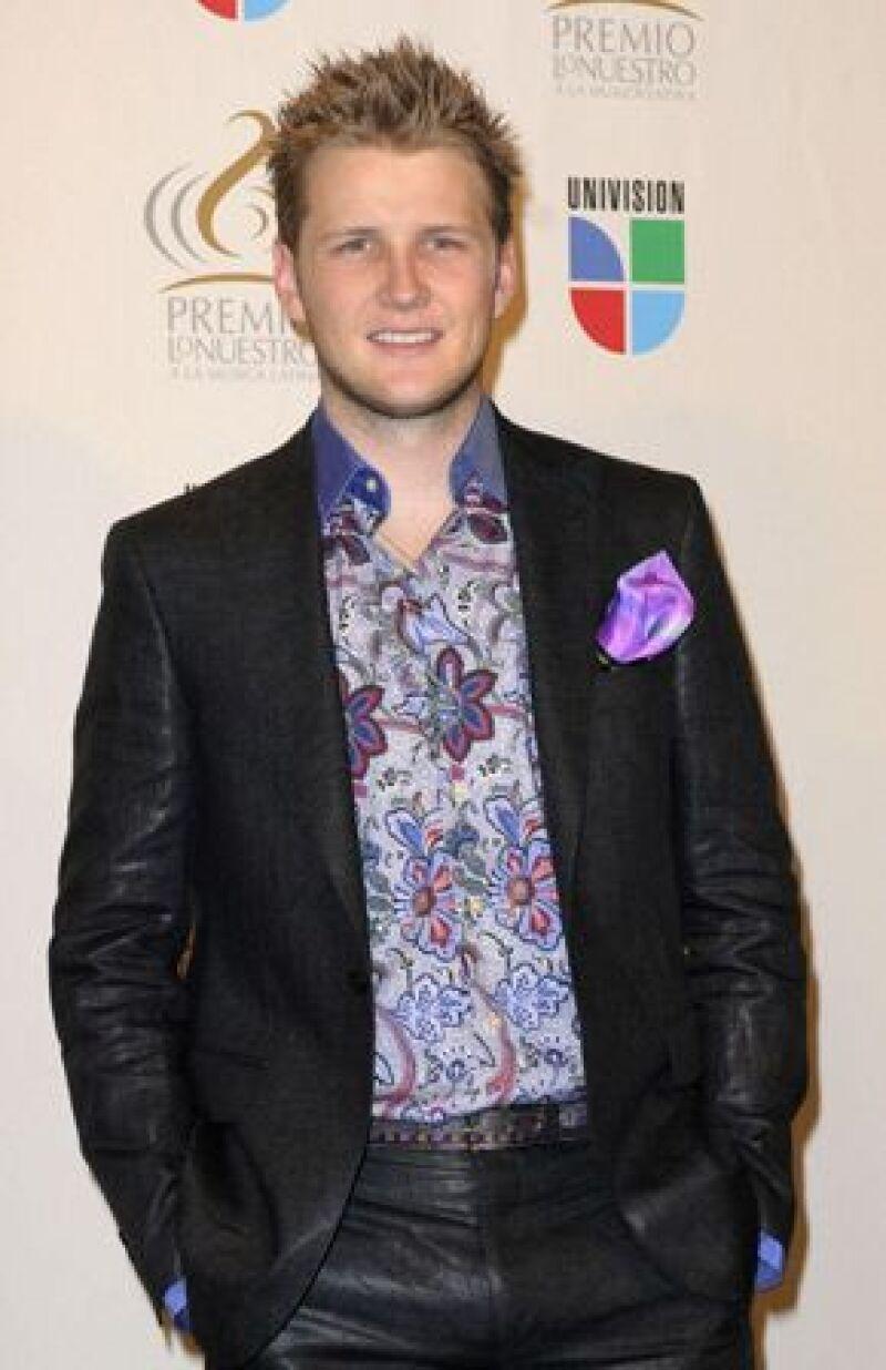 El cantante asistió a la ceremonia de entrega de los Premios Juventud donde habló de la gran tristeza que siente luego de su separación de Christiane Nicole Burillo Alemán.
